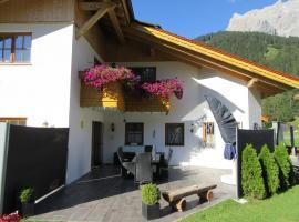 Alpen-Chalet Ehrwald, pet-friendly hotel in Ehrwald