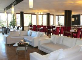 Hotel Atlas Sport, hotel near King's House on Schachen, Garmisch-Partenkirchen