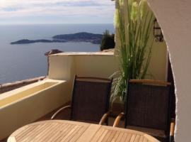 Romantic Hideaway Eze/ Monaco with spectacular sea view, villa in Éze