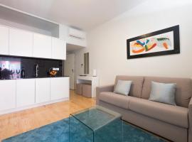 Home At Porto - Aliados Apartments, budget hotel in Porto