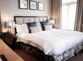 The Sanctuary House Hotel, hotel near Victoria Tube Station, London