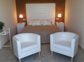 Hotel L'Alguer, hotel near Delta de l'Ebre, L'Ametlla de Mar
