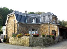 Natursteinvilla am Goldberg, haustierfreundliches Hotel in Hagen