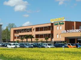 Residence Isola Verde Cisanello, aparthotel v destinaci Pisa