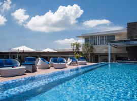 Sol House Bali Legian by Melia Hotels International, hôtel à Legian près de: Temple Petitenget
