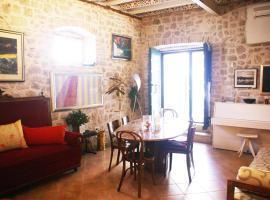 ArtCaffe Apartments, boutique hotel in Šibenik