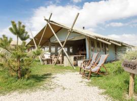 Comfy Tent Lodge In Callantsoog with Garden, hotel in Callantsoog