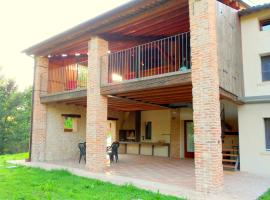 Modern Farmhouse in Pagnano Italy near Forest
