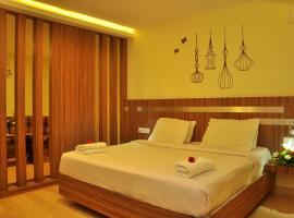 Vinayaga Inn by Poppys, Ooty, hotel in Ooty