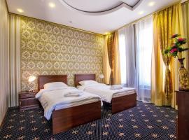 Отель «Золотая Ночь»