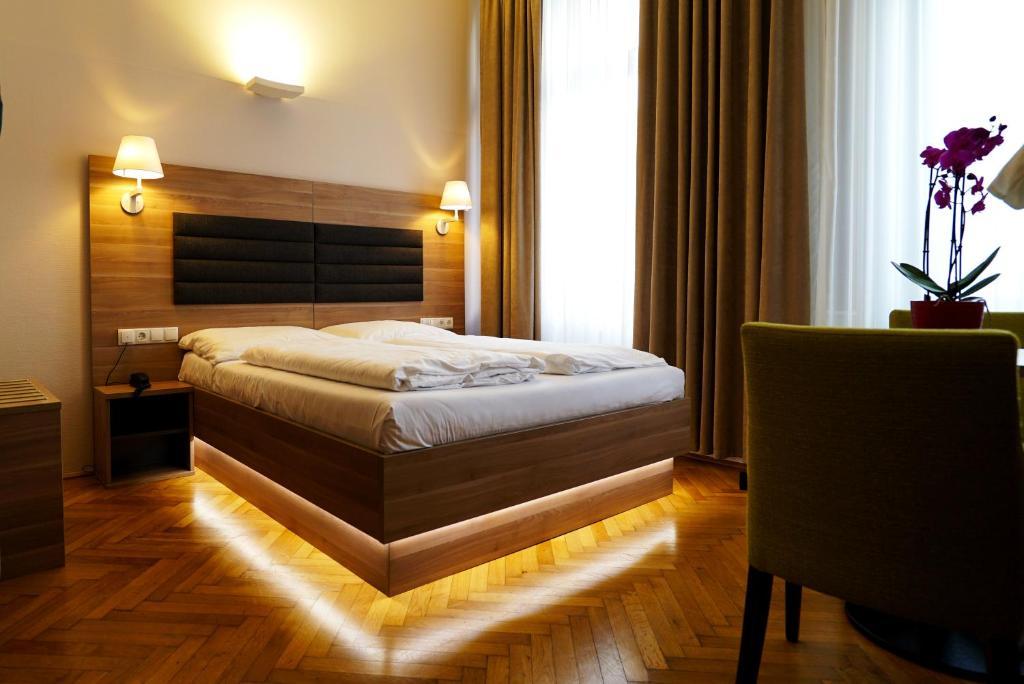 Двомісний номер з 1 двоспальним ліжком або 2 окремими ліжками: фотографія №7