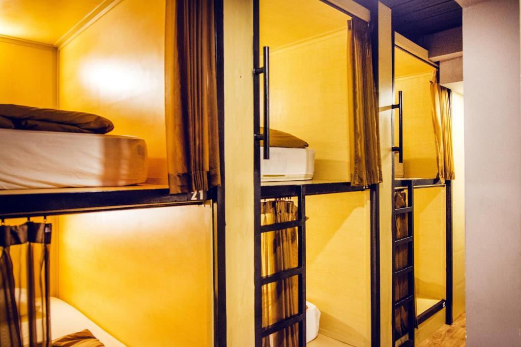 Кровать в общем номере для мужчин и женщин с 10 кроватями: фотография номер 3