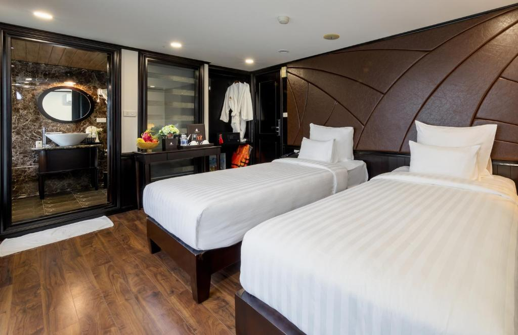 Photo of Deluxe Room with Ocean View #1