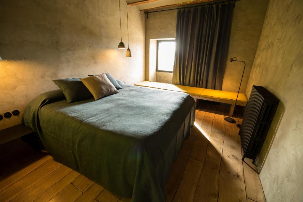 boutique hotels in monroyo  16