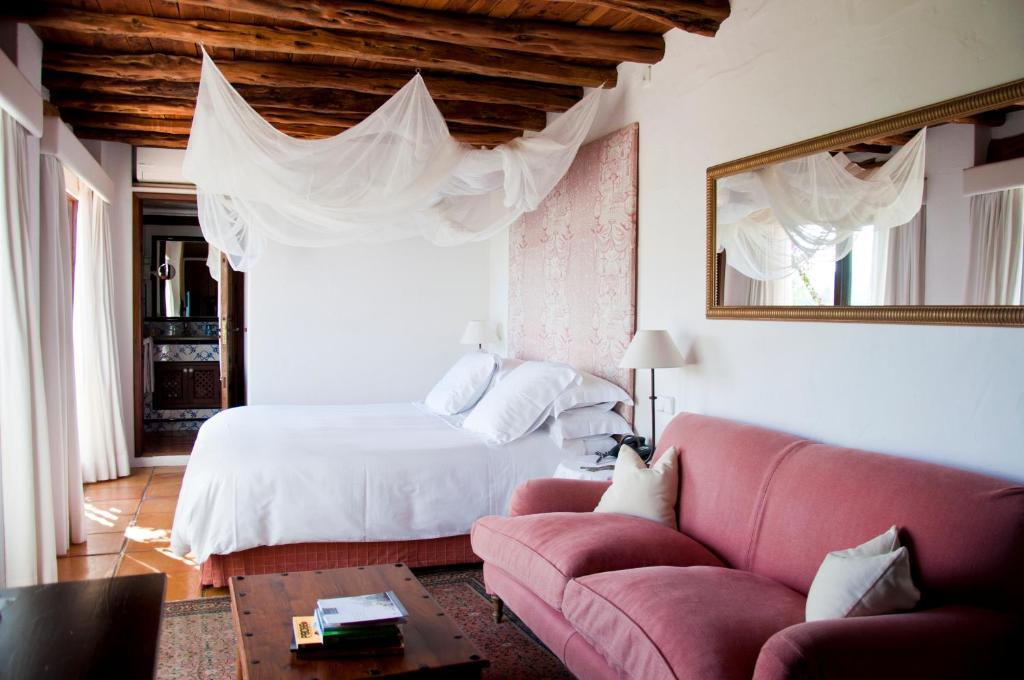 boutique hotels in balearic islands  235
