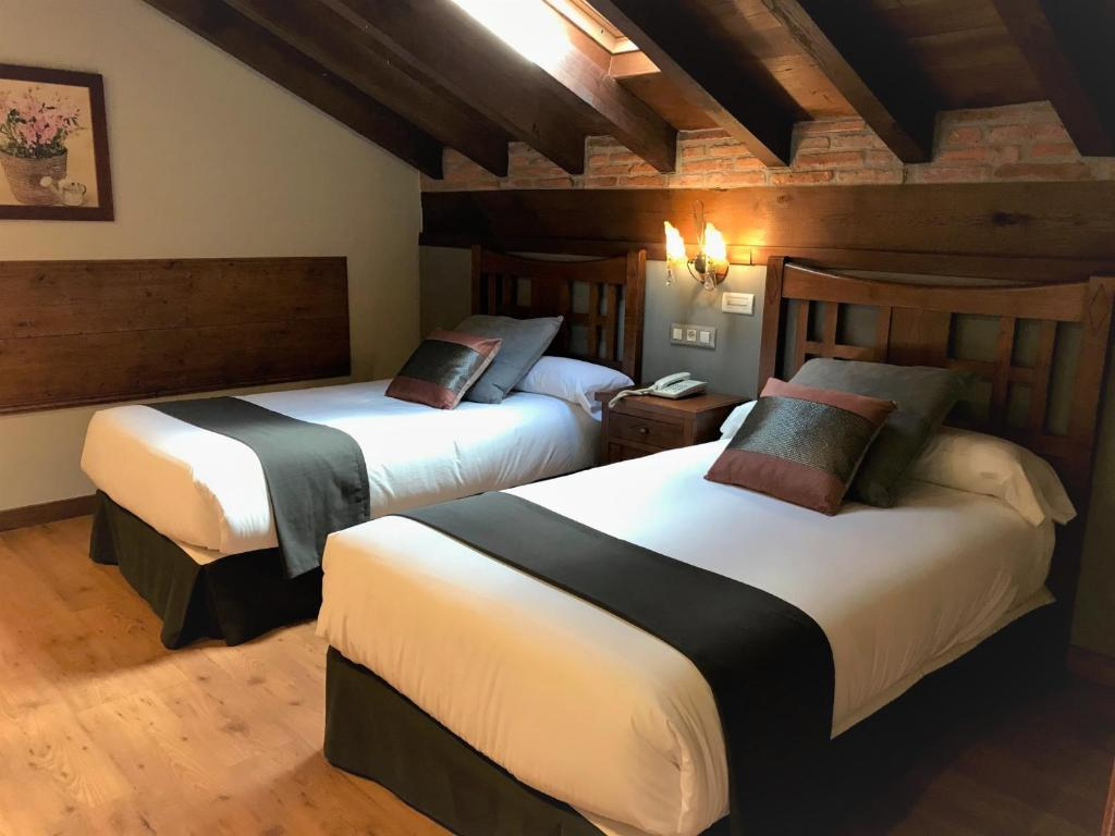 boutique hotels in santillana del mar  45