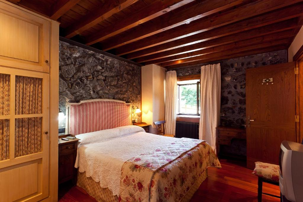 boutique hotels in etxebarria  11