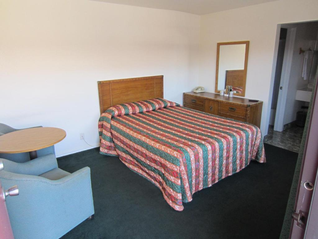 A room at the Welcome Inn & Suites Anaheim.