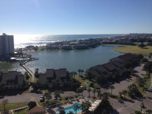 Gulf View Condo near Destin