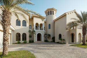 Fantastay Villa with Private Beach - Palm Jumeirah