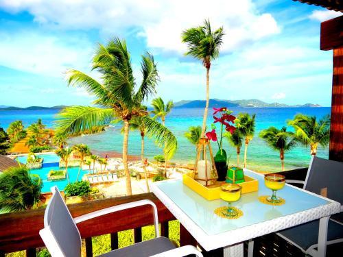 Luxury Beachfront Duplex Villa on Sapphire Beach V