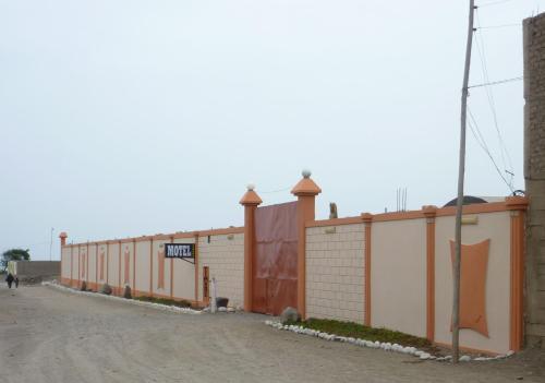 Motel Sahara Suites