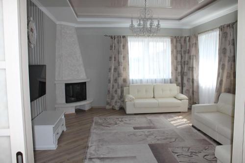 Country House on Pikhtovaya