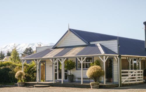 Tongariro Crossing Lodge
