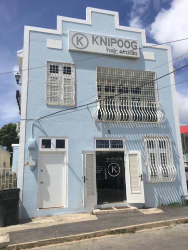 Knipoog Studios