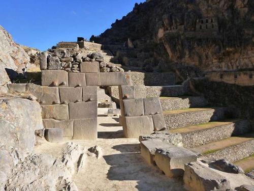 Ruinas View