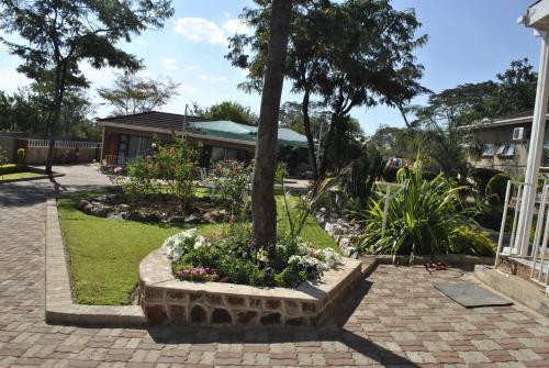 Palm Leaf Gardens