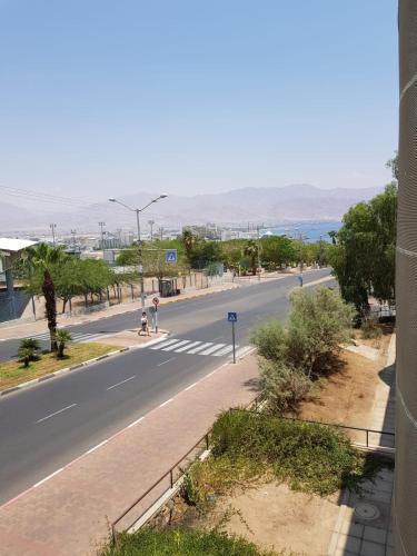 Tzofit Street