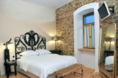 Leone Guest House