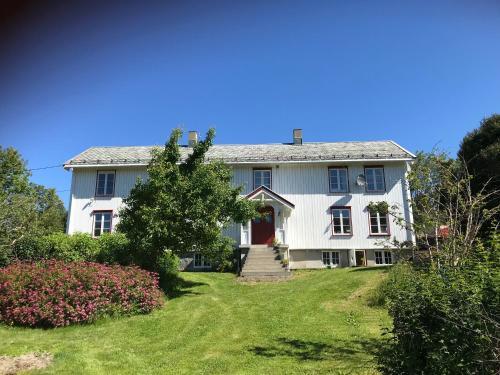 Rodal Lodge