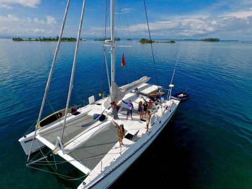 Catamaran Angelique II