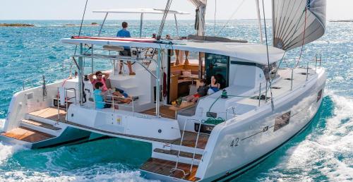 Luxury Catamaran Lagoon 42, AC & GN