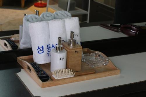 Seong Dong Jang