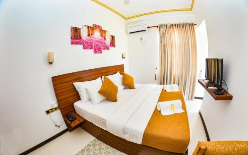 Negombo New Queen's Palace