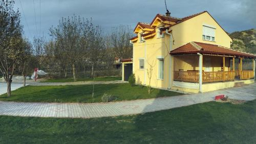 Family House Near Motorway 6 Guests 3 Bedrooms