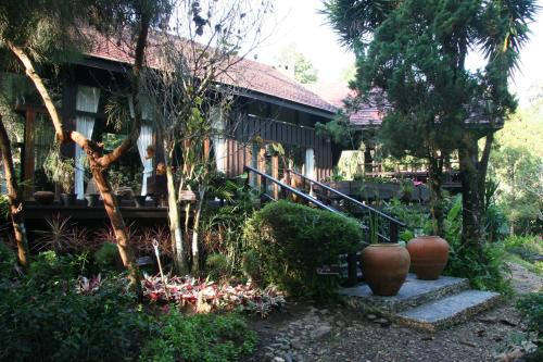 Villa Darakorn Hill Country House