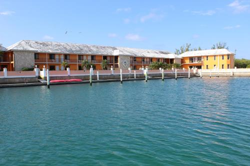 Running Mon Sunrise Resort and Marina by KEES Vacations