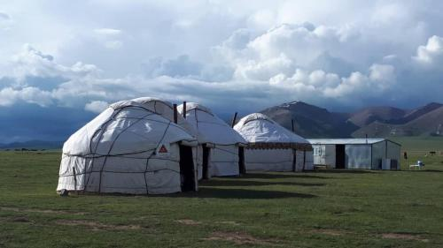 Yurt camp Nur in Song-Kol Lake