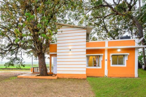 2-BR farmhouse on Divar Island