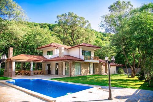Tezami Villa
