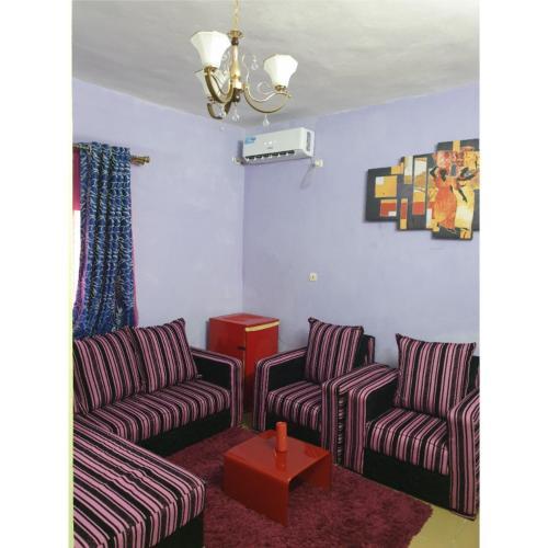 Studio Meublé Classe avec Forage, Douala