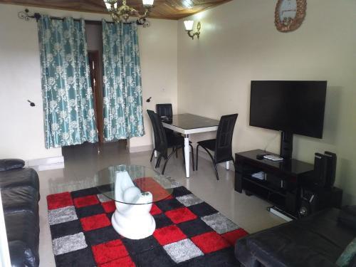 DREAMS HOUSE BONAMOUSSADI