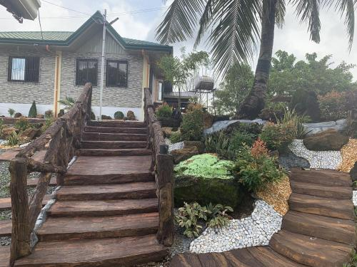 Michael's Farm House - 10 mins to Patar Beach and Bolinao Falls
