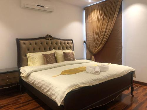 Royal Two Bed Room Service Apartments Gulberg Lahore