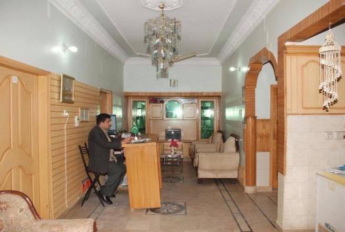 Karachi Motel 1
