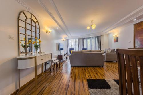 Edmor Residences - Riverside